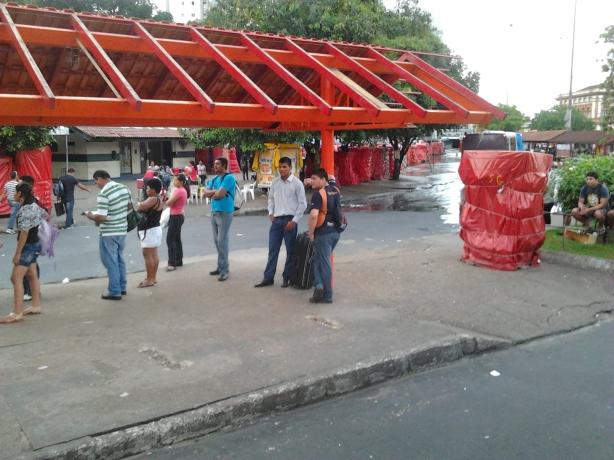 Terminal de ônibus no centro