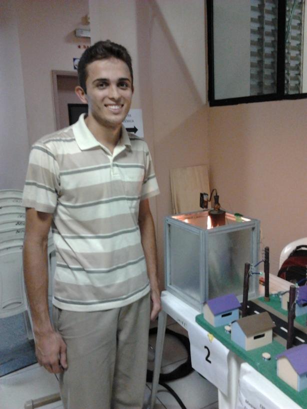 Ivaldo Santos Estudante de Engenharia Elétrica 8º Período UNINORTE/LAUREATE Manaus - Amazonas - Brasil